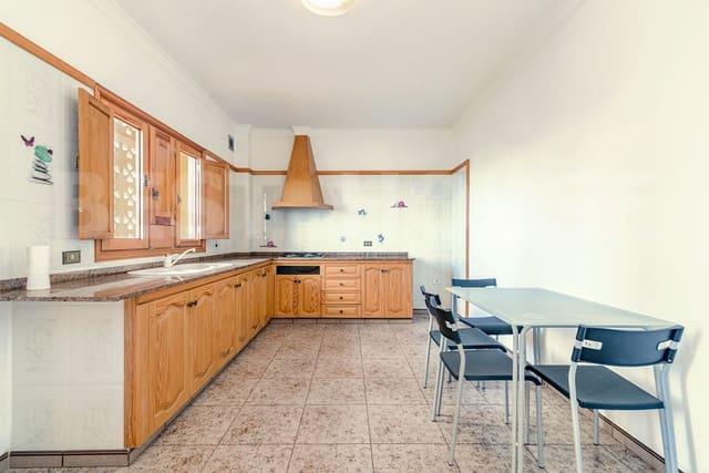 6 soveværelse Byhus til salg i Moya med garage - € 270.000 (Ref: 4754490)