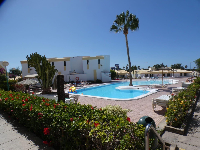 1 slaapkamer Halfvrijstaande villa te huur in Sardina met zwembad - € 850 (Ref: 4787926)