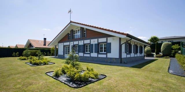 3 bedroom Villa for sale in Lemoiz with garage - € 690,000 (Ref: 6129387)