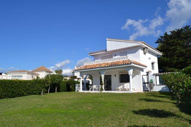 Chalet de 3 habitaciones en El Faro en alquiler vacacional con piscina garaje - 1.000 € (Ref: 5378812)