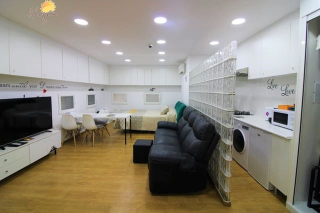 Loft de 2 habitaciones en Torrevieja en venta - 56.500 € (Ref: 5091325)
