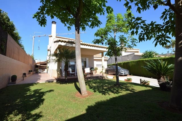 Chalet de 4 habitaciones en Puçol en venta con piscina garaje - 450.000 € (Ref: 5256769)
