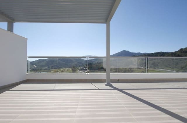 2 bedroom Penthouse for sale in Los Arqueros with pool garage - € 480,000 (Ref: 5928728)