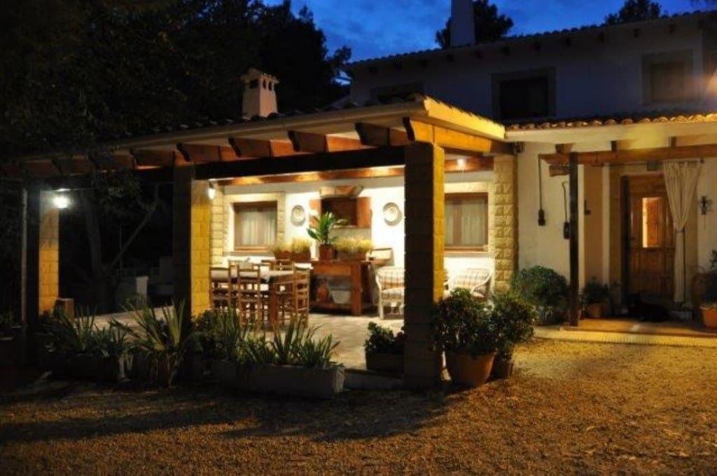5 bedroom Finca/Country House for sale in Torremanzanas - € 650,000 (Ref: 4996631)