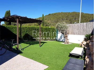 Property for sale in Cala Llonga - 21 houses & apartments