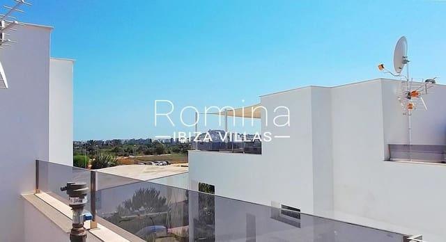 3 sovrum Semi-fristående Villa till salu i Nuestra Senora de Jesus med pool garage - 880 000 € (Ref: 5728095)