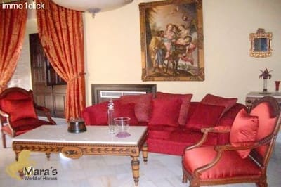 Hotel for sale in Carmona with pool garage - € 4,000,000 (Ref: 3518477)