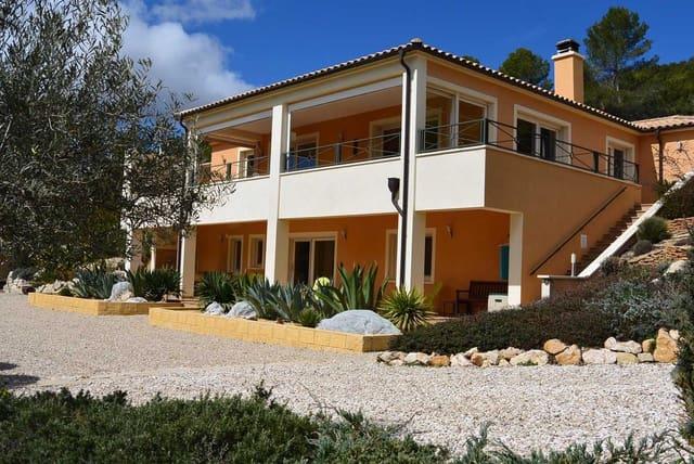 4 bedroom Villa for sale in Torremanzanas with pool - € 450,000 (Ref: 5690651)