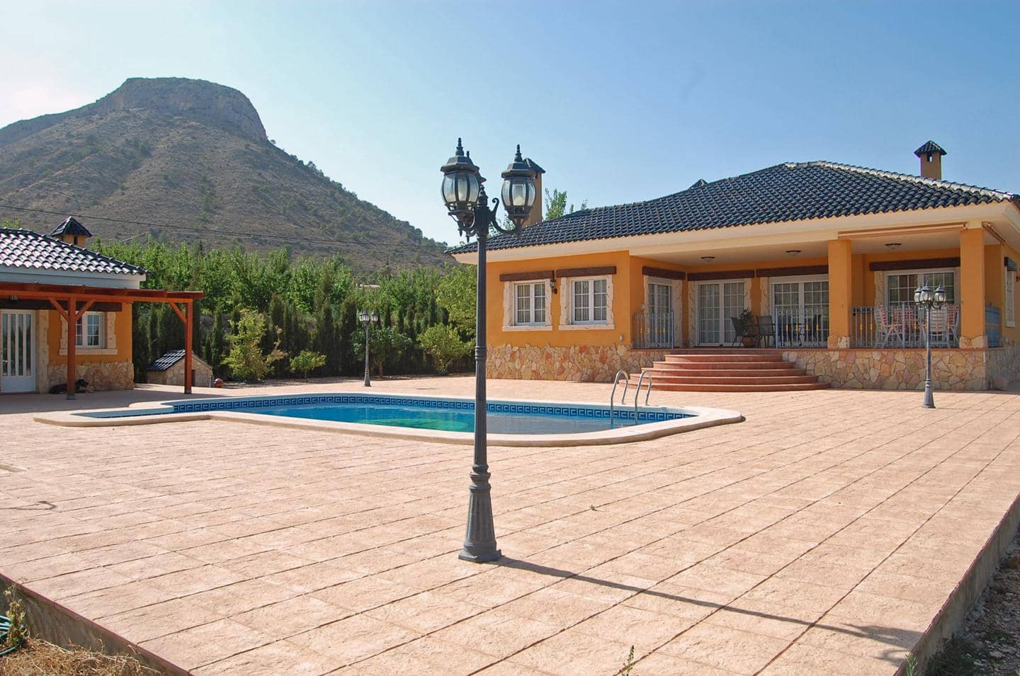 3 bedroom Villa for sale in Aspe with pool - € 350,000 (Ref: 6118584)