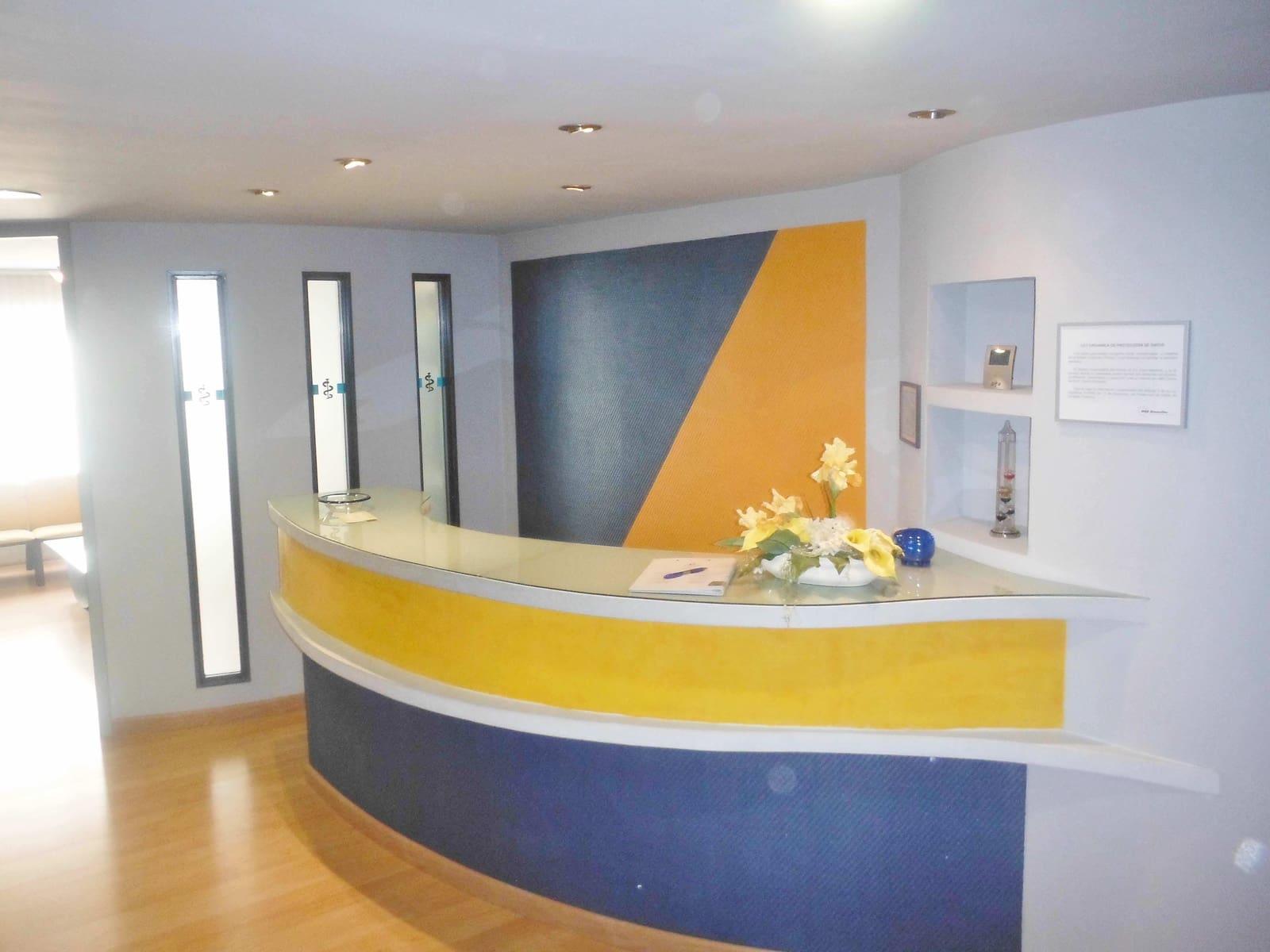 Local Comercial de 4 habitaciones en Dénia en venta - 99.000 € (Ref: 5101579)