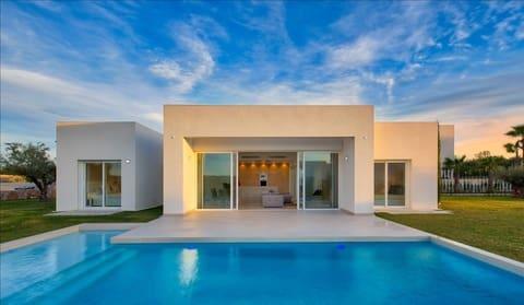 Chalet de 3 habitaciones en Las Colinas Golf en venta con piscina - 545.000 € (Ref: 4271652)