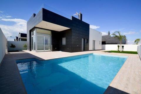 Chalet de 3 habitaciones en Pilar de la Horadada en venta con piscina - 297.000 € (Ref: 4271653)