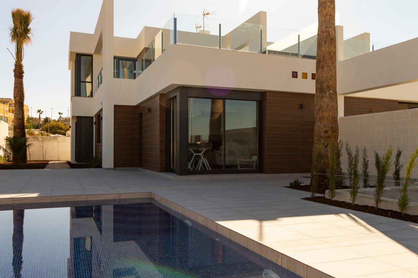 Chalet de 3 habitaciones en Benijófar en venta con piscina - 272.000 € (Ref: 4514852)