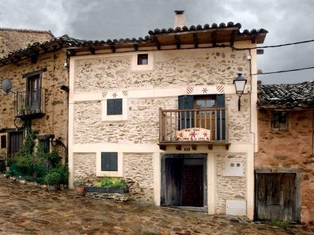 4 bedroom Terraced Villa for sale in La Hiruela - € 195,000 (Ref: 3288056)