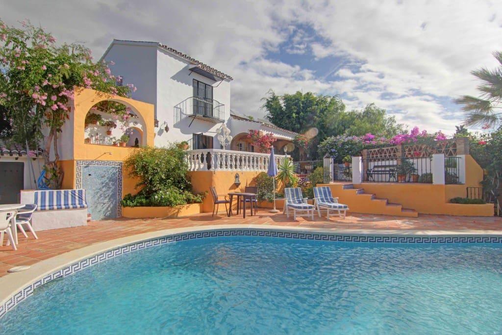 3 bedroom Villa for sale in Nerja - € 569,000 (Ref: 3842352)