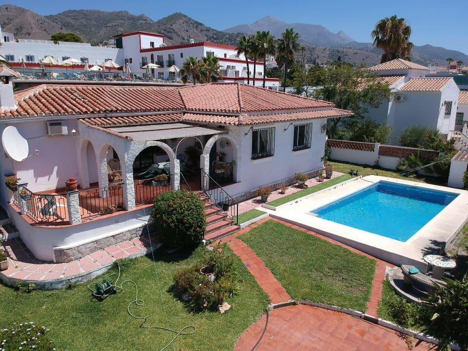 2 bedroom Villa for sale in Nerja - € 450,000 (Ref: 4397667)