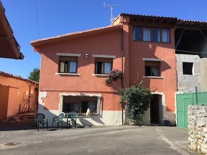 5 sovrum Semi-fristående Villa till salu i Llanes - 275 000 € (Ref: 3911704)