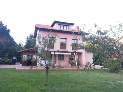 5 sovrum Semi-fristående Villa till salu i Llanes med garage - 330 000 € (Ref: 5712396)