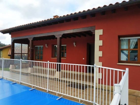 Pareado de 3 habitaciones en Ribadedeva en venta con piscina garaje - 240.000 € (Ref: 5751563)