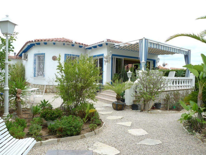2 bedroom Villa for sale in La Nucia with pool - € 285,000 (Ref: 3199595)