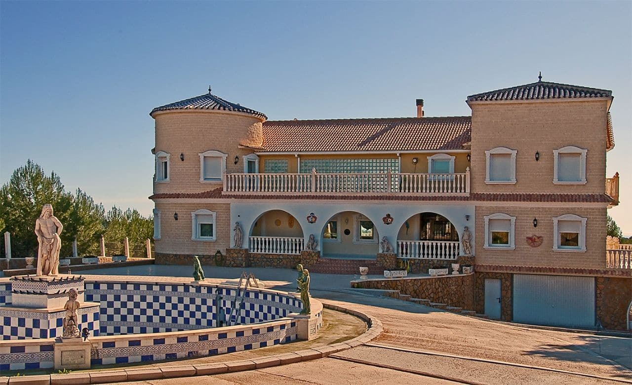 Chalet de 6 habitaciones en Pilar de la Horadada en venta con piscina garaje - 1.300.000 € (Ref: 3616186)