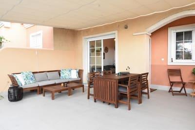 3 slaapkamer Bungalow te huur in Gran Alacant met zwembad - € 750 (Ref: 4115363)
