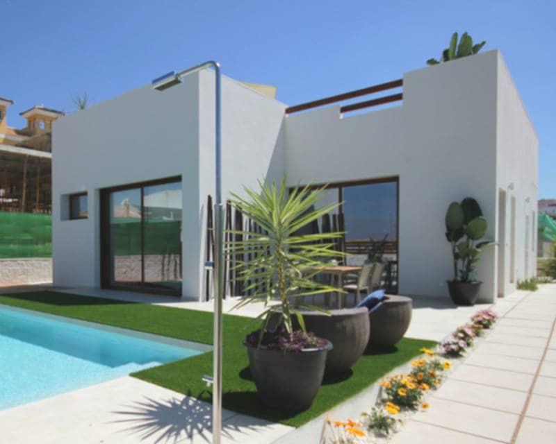 Chalet de 3 habitaciones en Benijófar en venta con piscina - 358.900 € (Ref: 4093556)