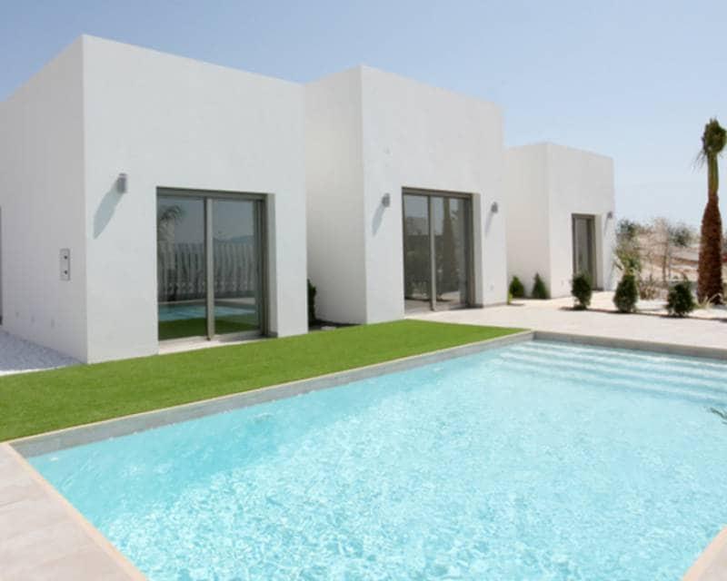 Chalet de 3 habitaciones en Benijófar en venta con piscina - 274.900 € (Ref: 4157609)