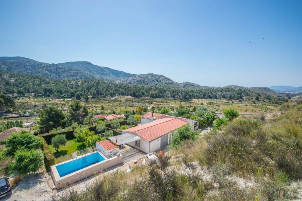 5 bedroom Finca/Country House for sale in Petrel / Petrer with pool garage - € 139,000 (Ref: 5384849)