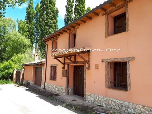 6 sypialnia Finka/Dom wiejski na sprzedaż w Miasto Soria z basenem - 320 000 € (Ref: 4666238)