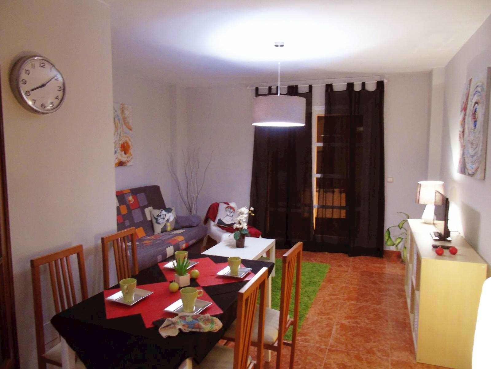 1 slaapkamer Appartement te huur in Torre del Mar - € 500 (Ref: 3577302)