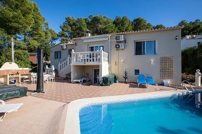 5 bedroom Villa for sale in Benidoleig with pool - € 349,950 (Ref: 3270766)