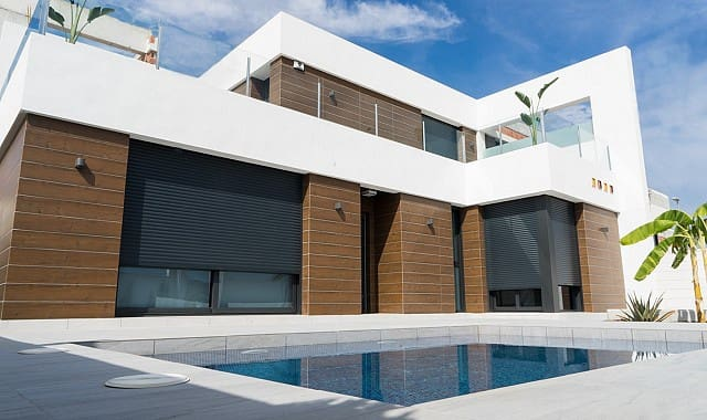 Chalet de 3 habitaciones en Benijófar en venta con piscina - 285.000 € (Ref: 4322916)