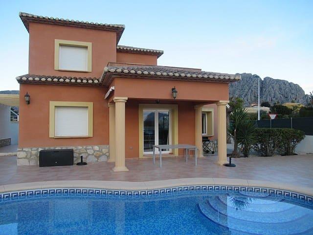 Chalet de 3 habitaciones en Beniarbeig en venta con piscina - 238.000 € (Ref: 4890458)