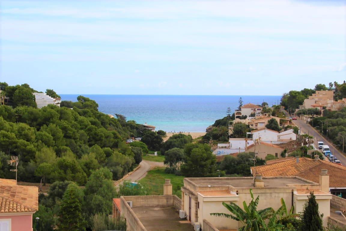 3 slaapkamer Appartement te huur in Cala Mandia met zwembad - € 1.200 (Ref: 4996373)