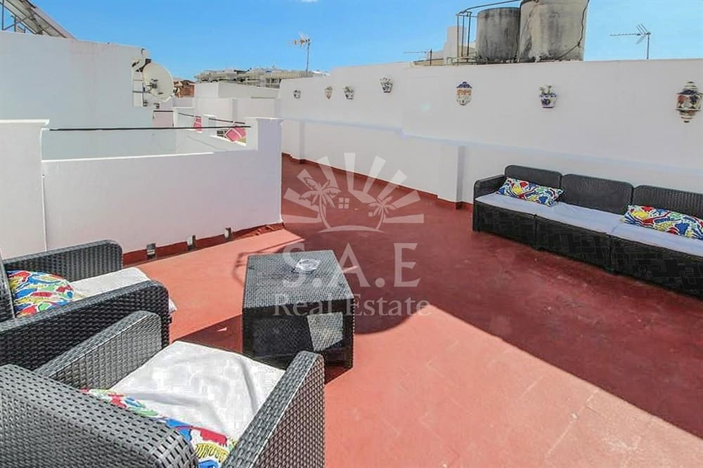 17 bedroom Townhouse for sale in Marbella - € 1,700,000 (Ref: 4578879)