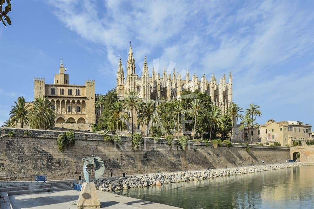 Hotel de 40 habitaciones en Palma de Mallorca en venta - 6.500.000 € (Ref: 4640887)