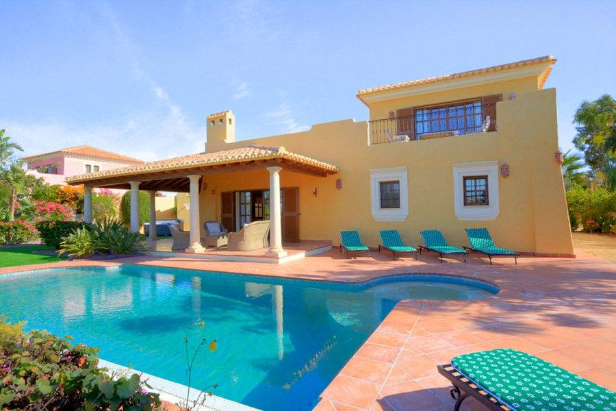 4 bedroom Villa for sale in Desert Springs with pool - € 495,000 (Ref:  3719534)