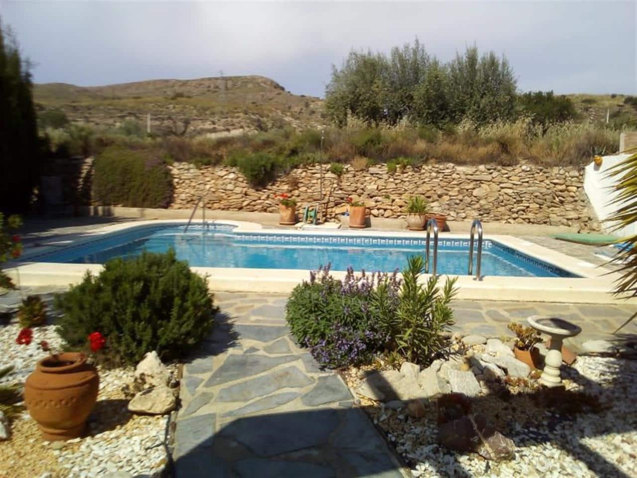 Chalet de 3 habitaciones en Cariatiz en venta con piscina - 185.000 € (Ref: 5147300)
