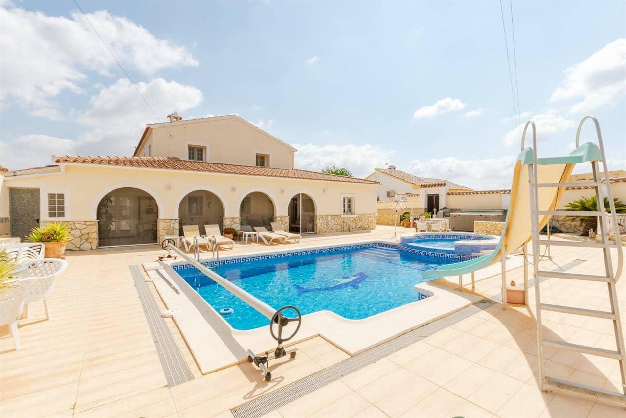Chalet de 5 habitaciones en Arboleas en venta con piscina - 335.000 € (Ref: 5357731)