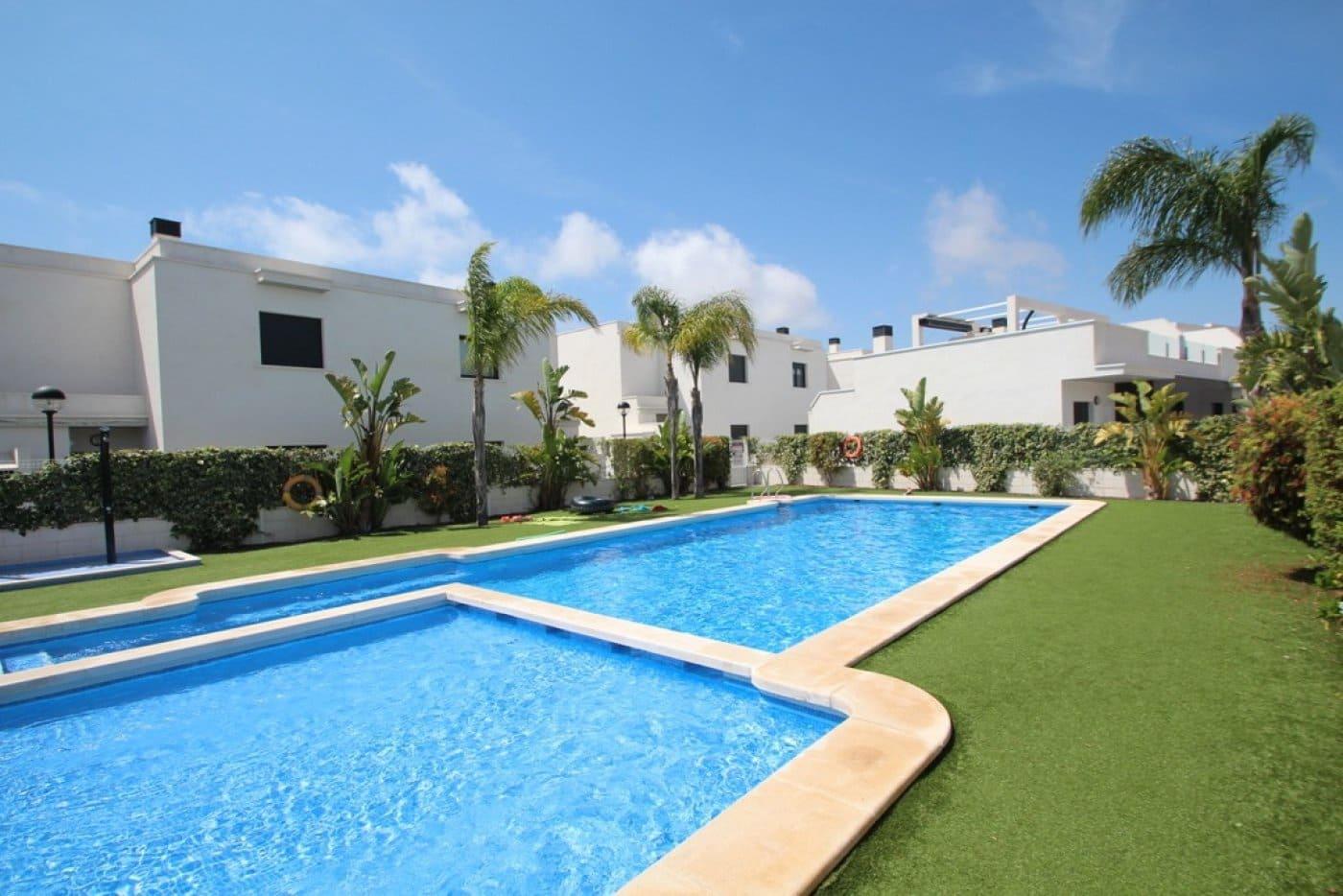 Adosado de 3 habitaciones en Cabo Roig en venta con piscina garaje - 225.000 € (Ref: 4632680)