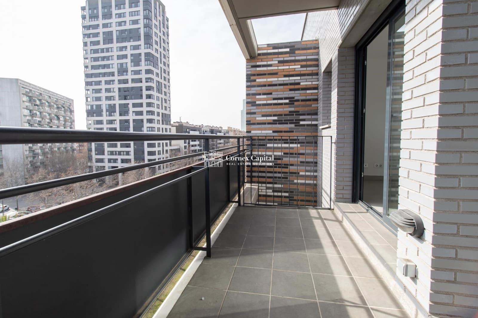 3 soveværelse Lejlighed til leje i Barcelona by med swimmingpool - € 1.490 (Ref: 5908741)