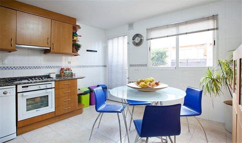 4 chambre Villa/Maison à vendre à Almassora / Almazora avec garage - 150 000 € (Ref: 5697822)