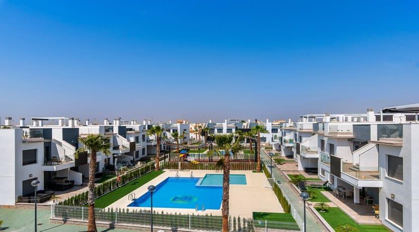 Apartamento de 2 habitaciones en Pilar de la Horadada en venta con piscina garaje - 159.900 € (Ref: 4318708)