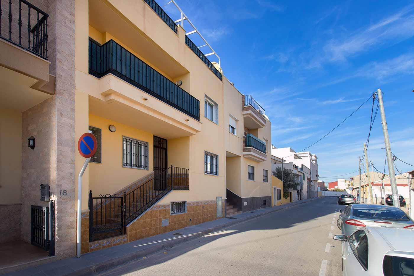 Apartamento de 3 habitaciones en Pilar de la Horadada en venta con garaje - 88.000 € (Ref: 4414034)