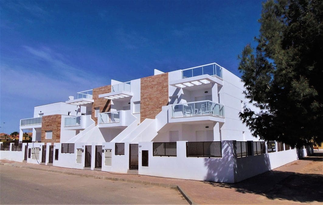 2 bedroom Apartment for sale in San Pedro del Pinatar with pool garage - € 149,000 (Ref: 5171248)