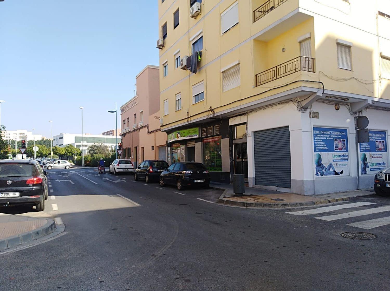 Commercieel te huur in Almeria stad - € 300 (Ref: 4791171)