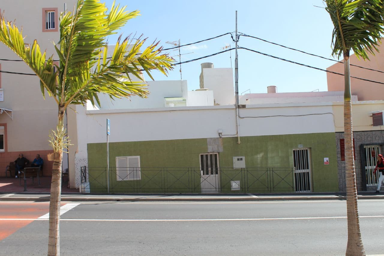 1 bedroom Commercial for rent in San Isidro with garage - € 800 (Ref: 4490409)