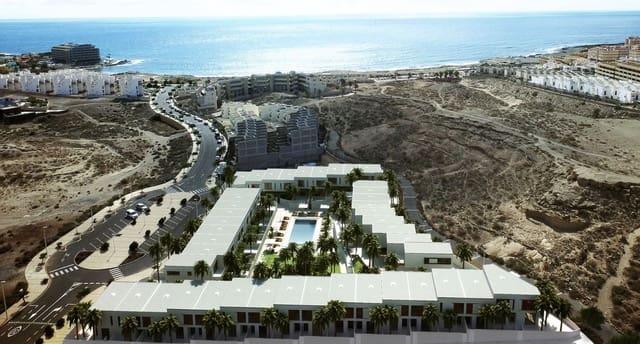 3 sypialnia Dom blizniak na sprzedaż w El Medano z basenem garażem - 280 000 € (Ref: 6379292)