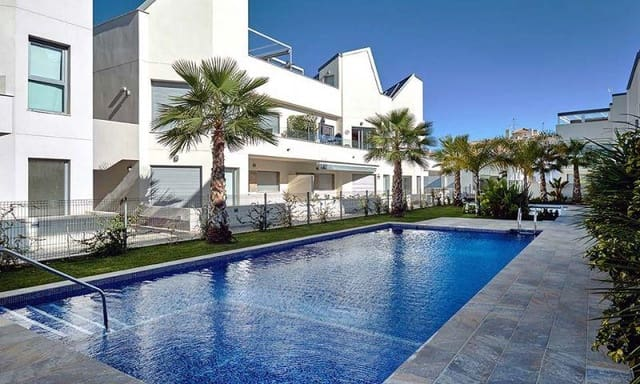 2 quarto Bungalow para venda em Torrevieja com piscina - 220 000 € (Ref: 6206712)